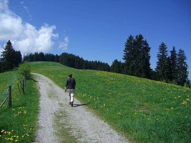 hiking-245351_640 (2)